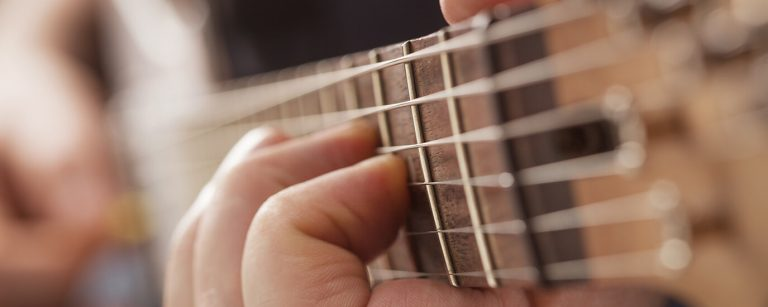 23 Easy Guitar Chords That Every Beginner Should Learn
